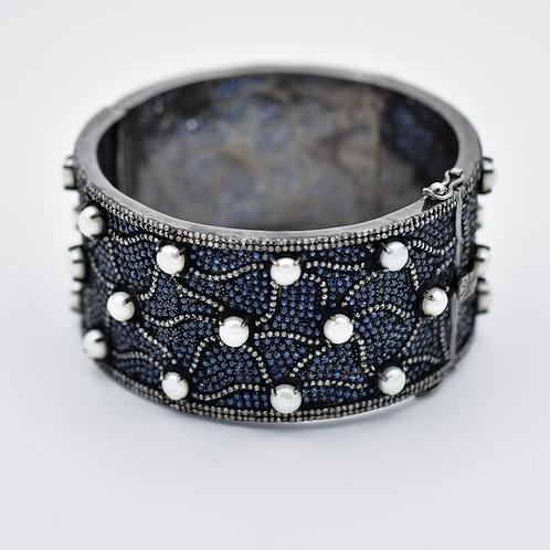 BLUE SAPPHIRE W/ DIAMONDS AND WHITE PEARLS