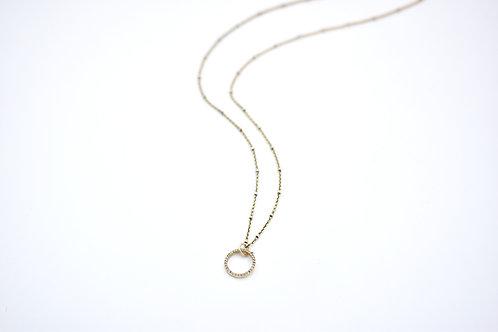 DIAMOND GOLD CIRCLE NECKLACE