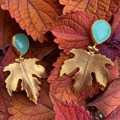 GOLD PLATED LEAF EARRINGS W/ CHALCEDONY POST