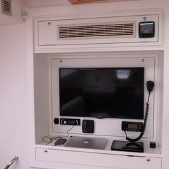 00016-saloon - tv + more.JPG