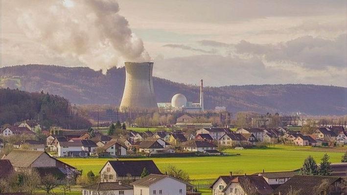 800px-Leibstadt_Kernkraftwerk_Leibstadt_