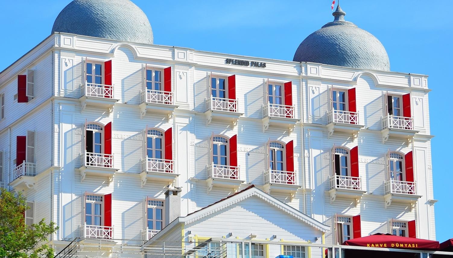 Splendid+Palace+Hotel.jpg