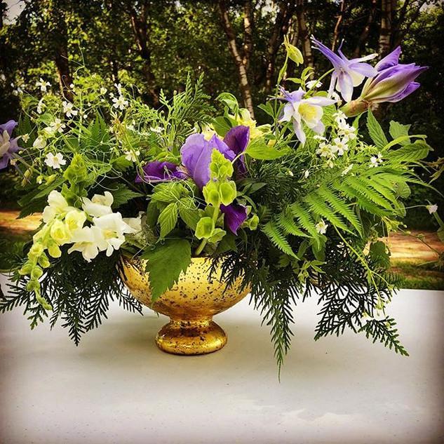 Early June Wedding - Centerpiece