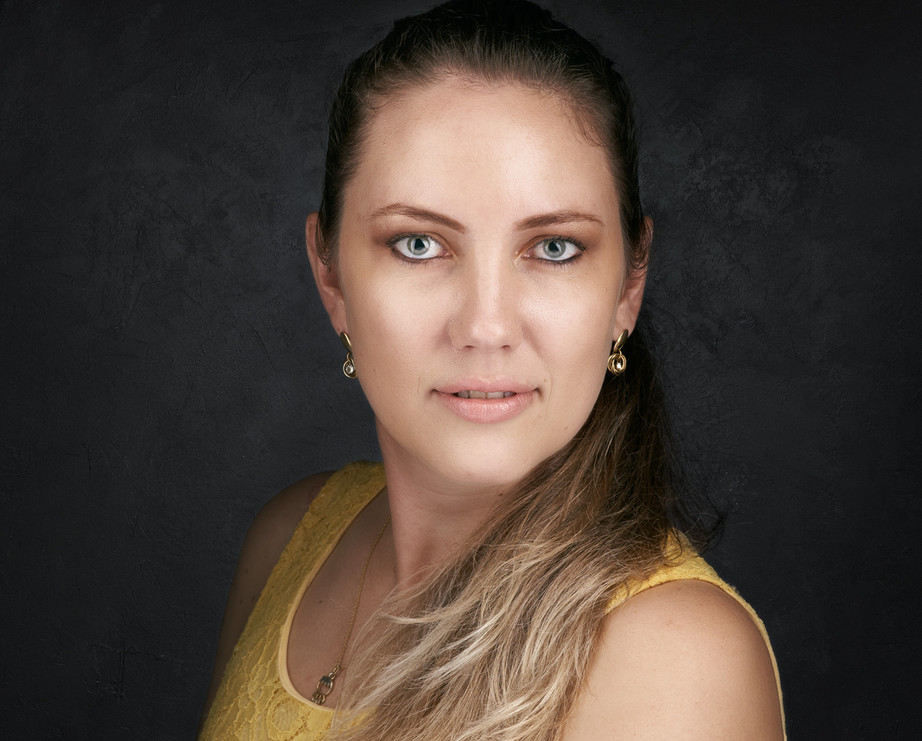 retrato-headshot-1500px.jpg