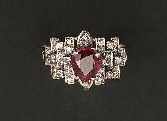 """Bague en or gris, platine, diamants et rubis """"Dame de cœur"""""""