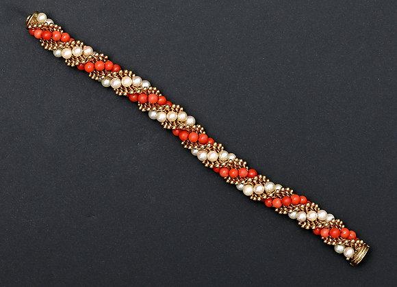 """Bracelet Van Cleef & Arpels or jaune, perles et corail """"Twist"""""""