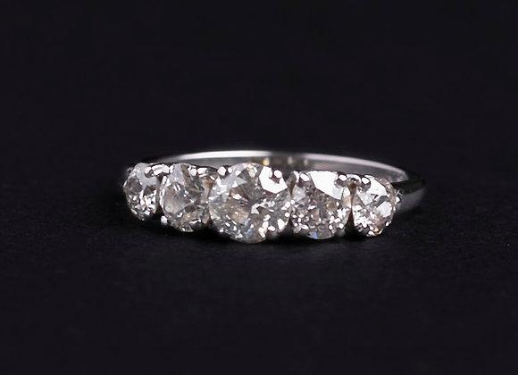 Bague lignée merveilleuse or gris et diamants face