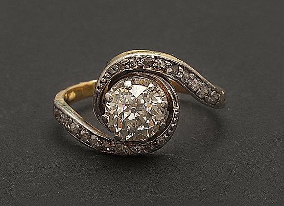 """Bague en or jaune, platine et diamants """"Premier Amour"""""""