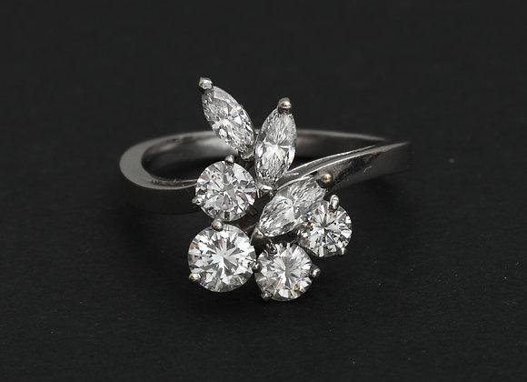 """Bague or gris et diamants """"Bouquet Précieux"""""""
