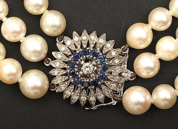 """Collier de perles, fermoir or gris saphirs et diamants """"Paon éclatant"""""""