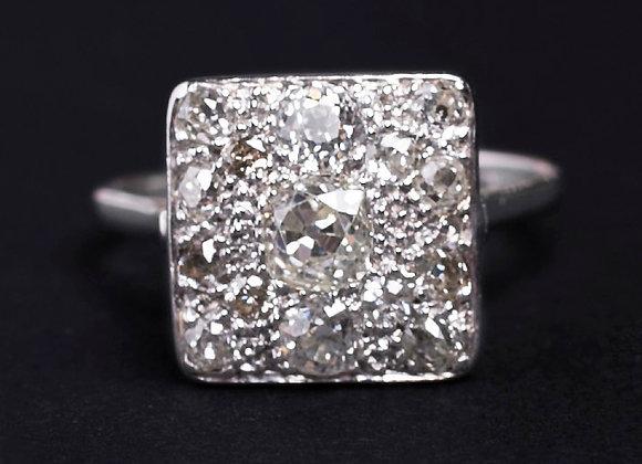 Bague carré scintillant platine et diamants face