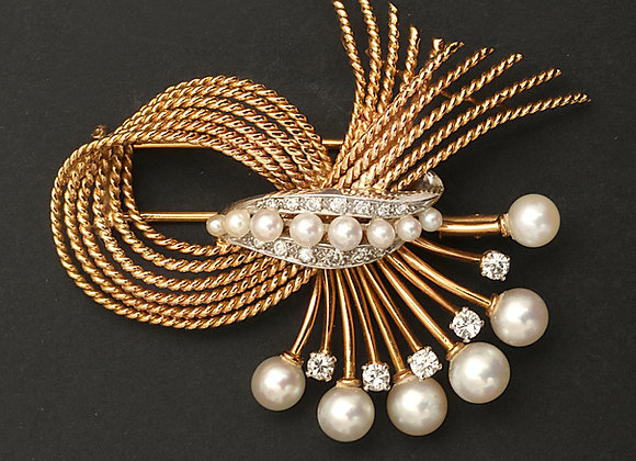 "Broche en platine et or jaune, diamants et perles blanches ""Luxuriance"""