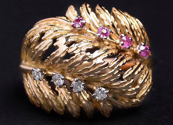 Bague sous-bois mystérieux or jaune diamants et rubis face