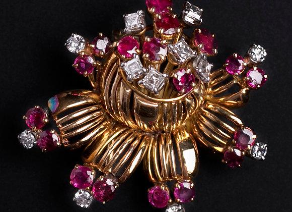 Broche Arlequin de rubis diamants sur or jaune face