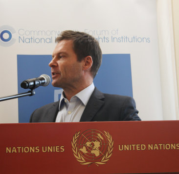 Ross speaking at the UN