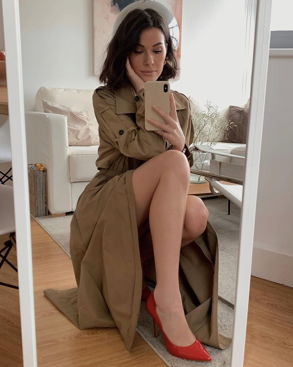 julia lundin blog mirror selfie in tan dress
