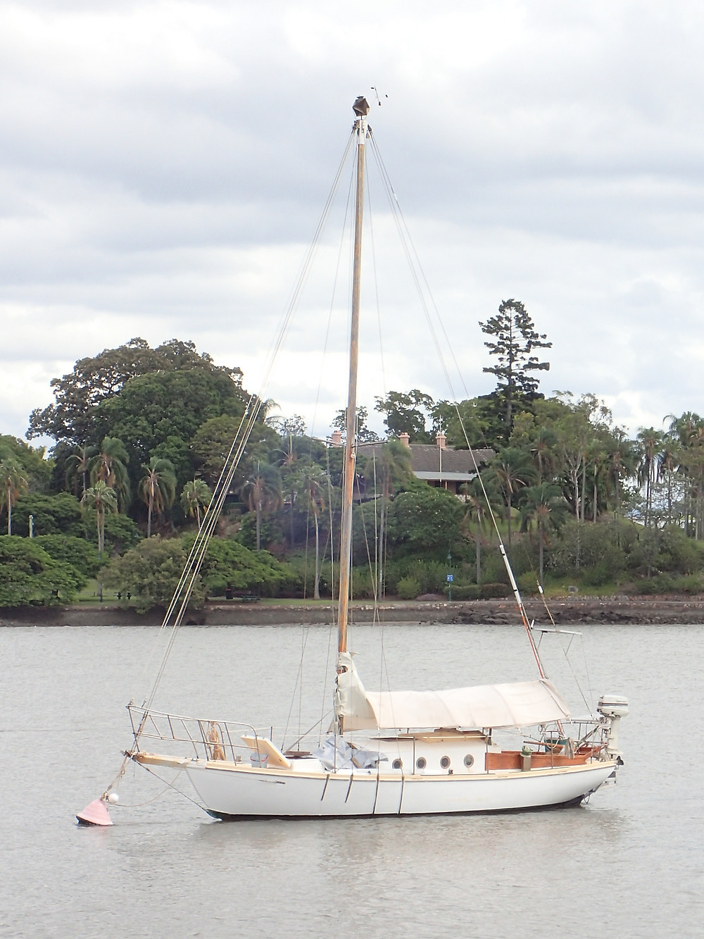 Living on a sailboat on the Brisbane River