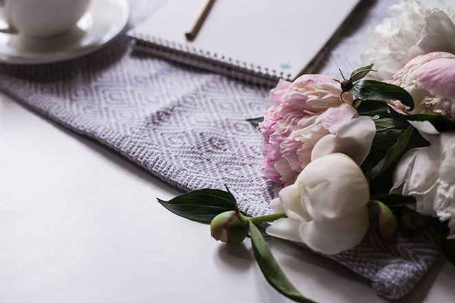 notebook-with-bouquet-peonies-DKGTA5C.jp