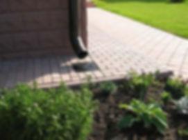 2-drainage-system-installation-lawn-gutt