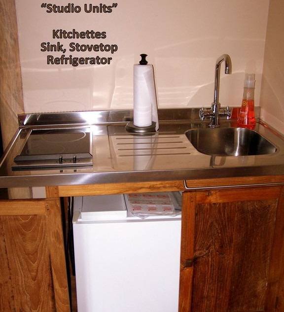 Studio B kitchenette.jpg