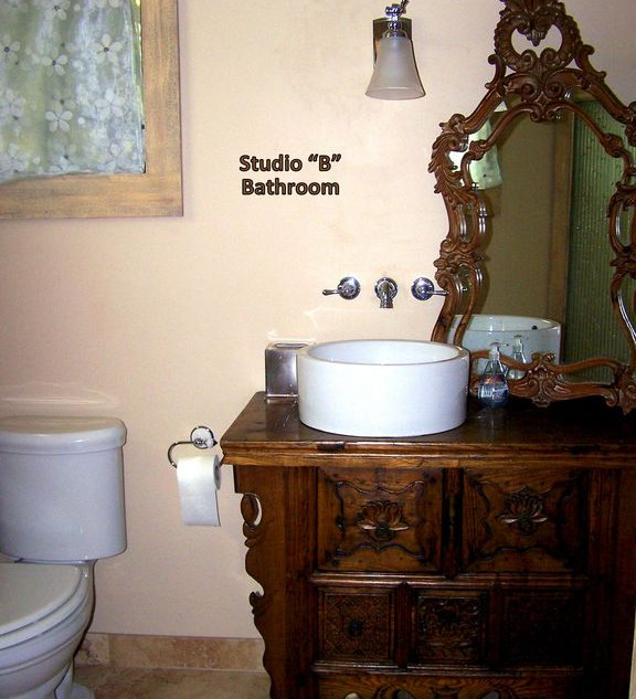 studio B bath.jpg