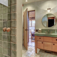 jack-and-jill-full-bath-for-bedrooms-5-6