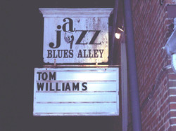 tw-blues-alleypic