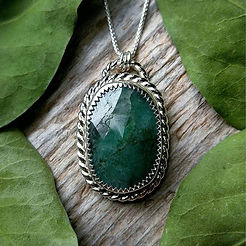 Gorgeous Faceted Emerald Necklace online