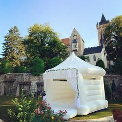 Hochzeitshüpfburg Schloss Egg