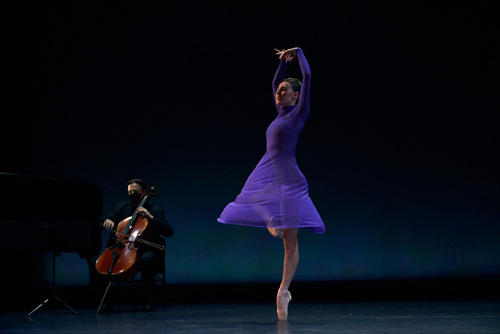 tiler peck a new stage