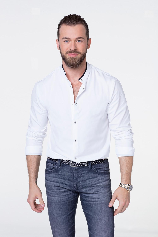 artem chivintsev white shirt