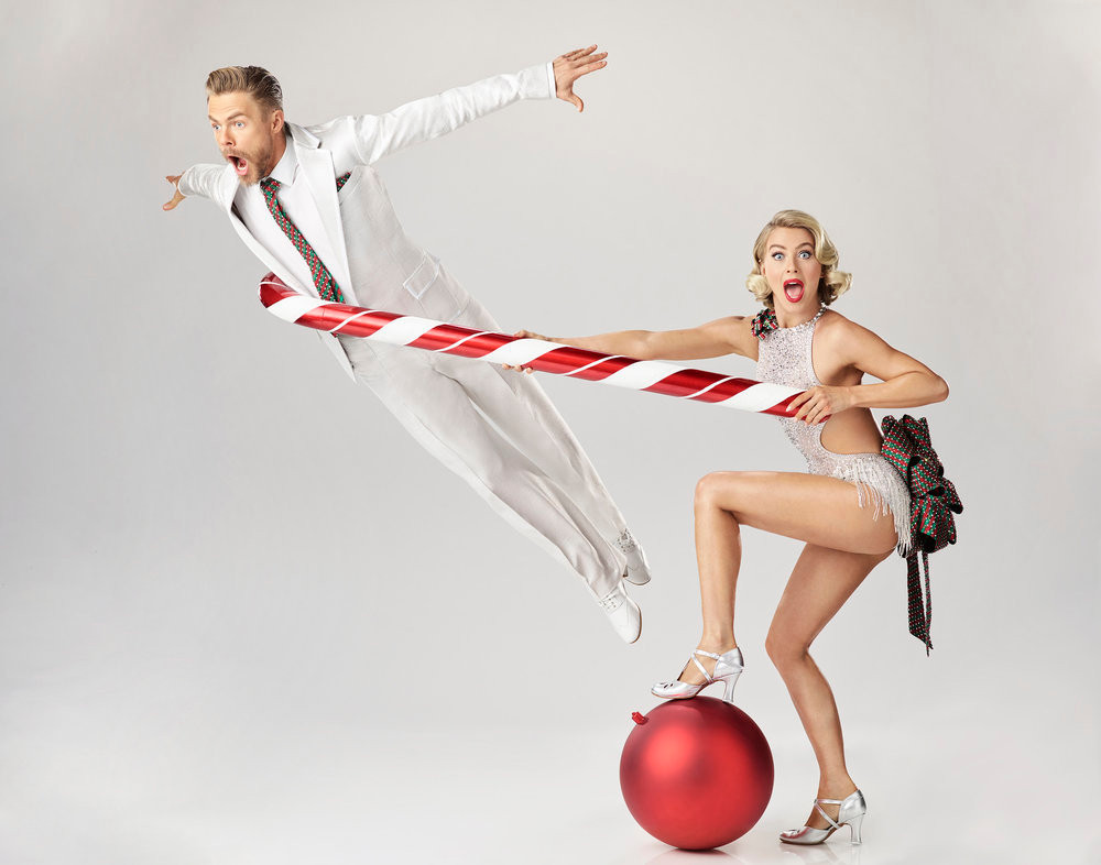 Derek-Julianne-Hough-Holidays-with-the-Houghs