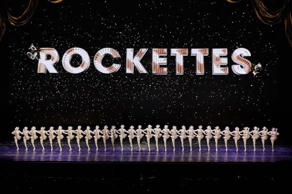 rockettes dancing radio city music hall