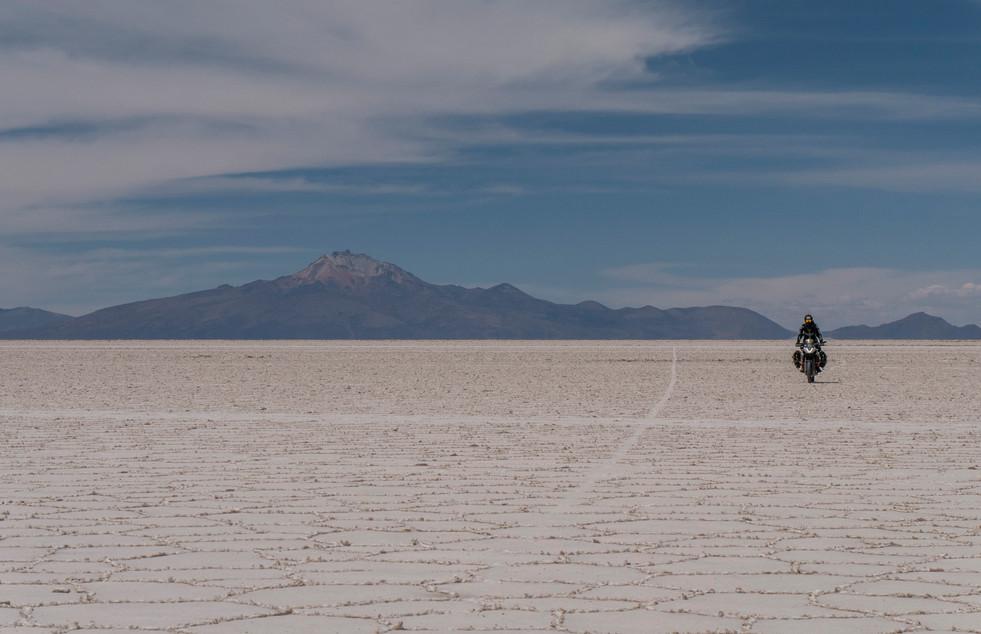 Salar De Uyuni - Bolivia.jpg