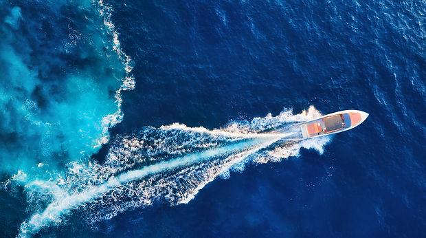 islandboat.jpg