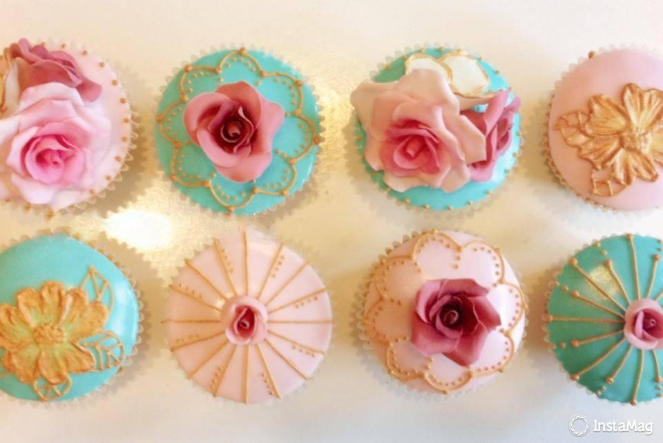 vintage flora cupcake.jpg