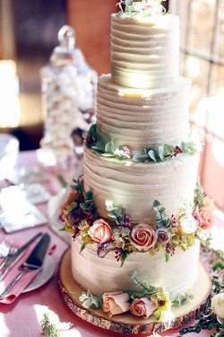 melanie wedding cake 1.jpg
