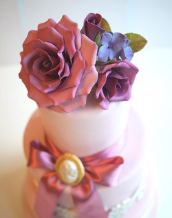 pink wedding cake 2.jpg
