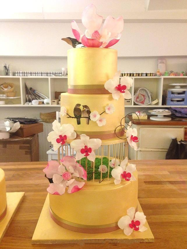gold cage cake.jpg