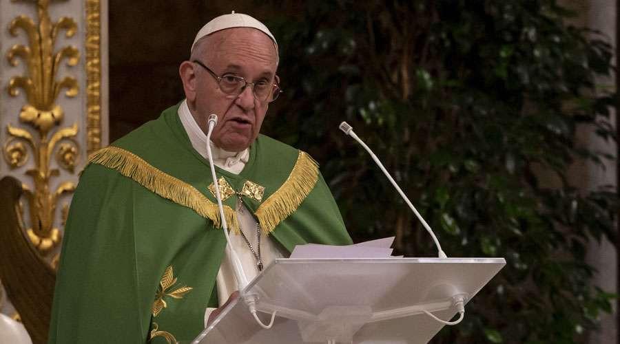 El Papa Francisco en las Vísperas en la Basílica San Pablo Extramuros en Roma.