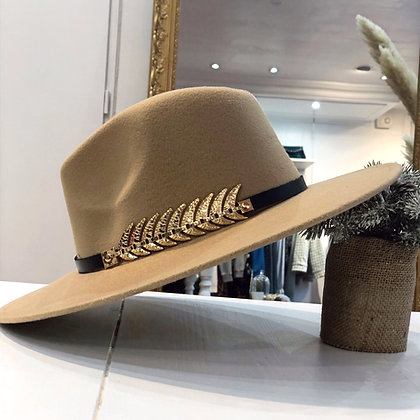 Chapeau plume