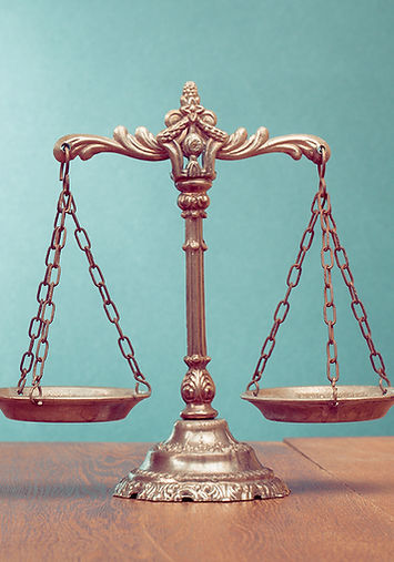 Balance représentant les mentions légales de votre restaurant La Mie Dinette à Aix en Provence