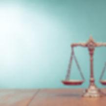 Justice Droit balance Martine Garceau-Lebel avocat à Trois-Rivières