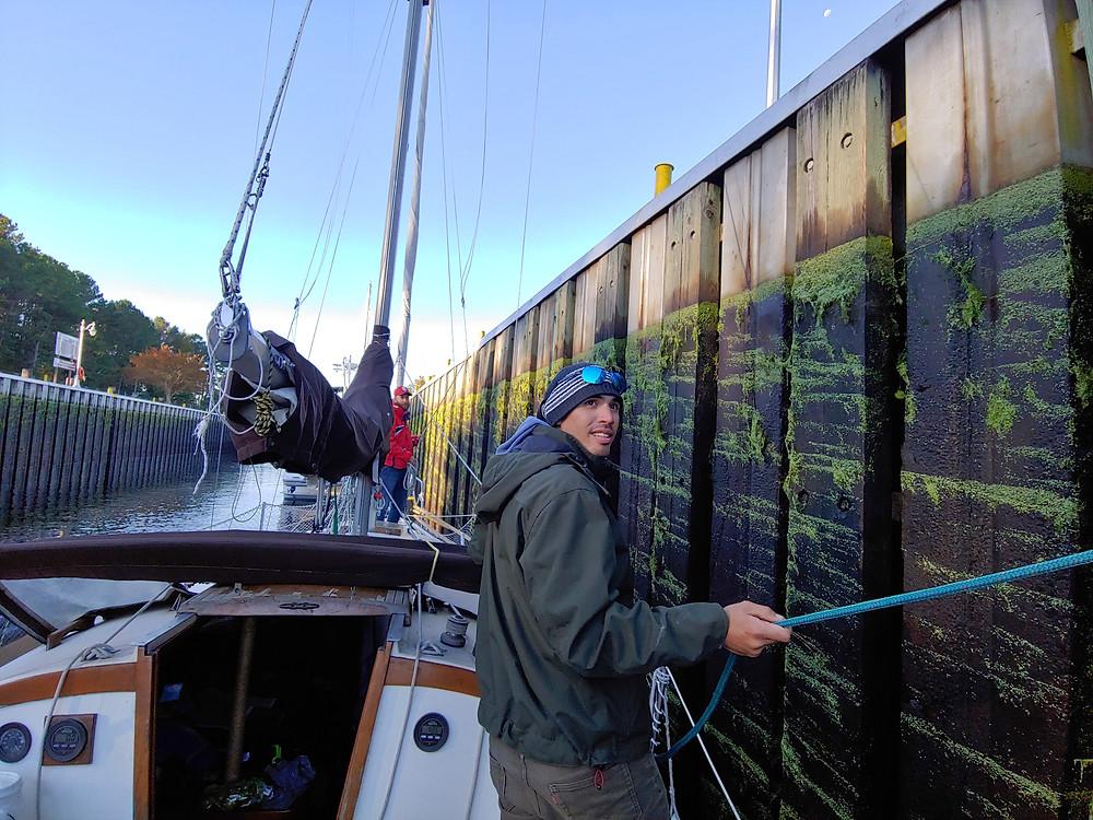 lines, sailboat, lock, tending lines, dismal swamp canal, deep creek lock