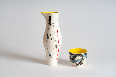Porcelain jug and teabowl