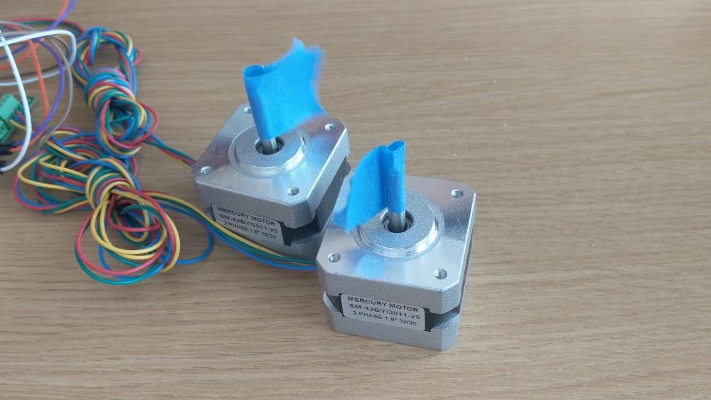 stepper motors moving at different speeds