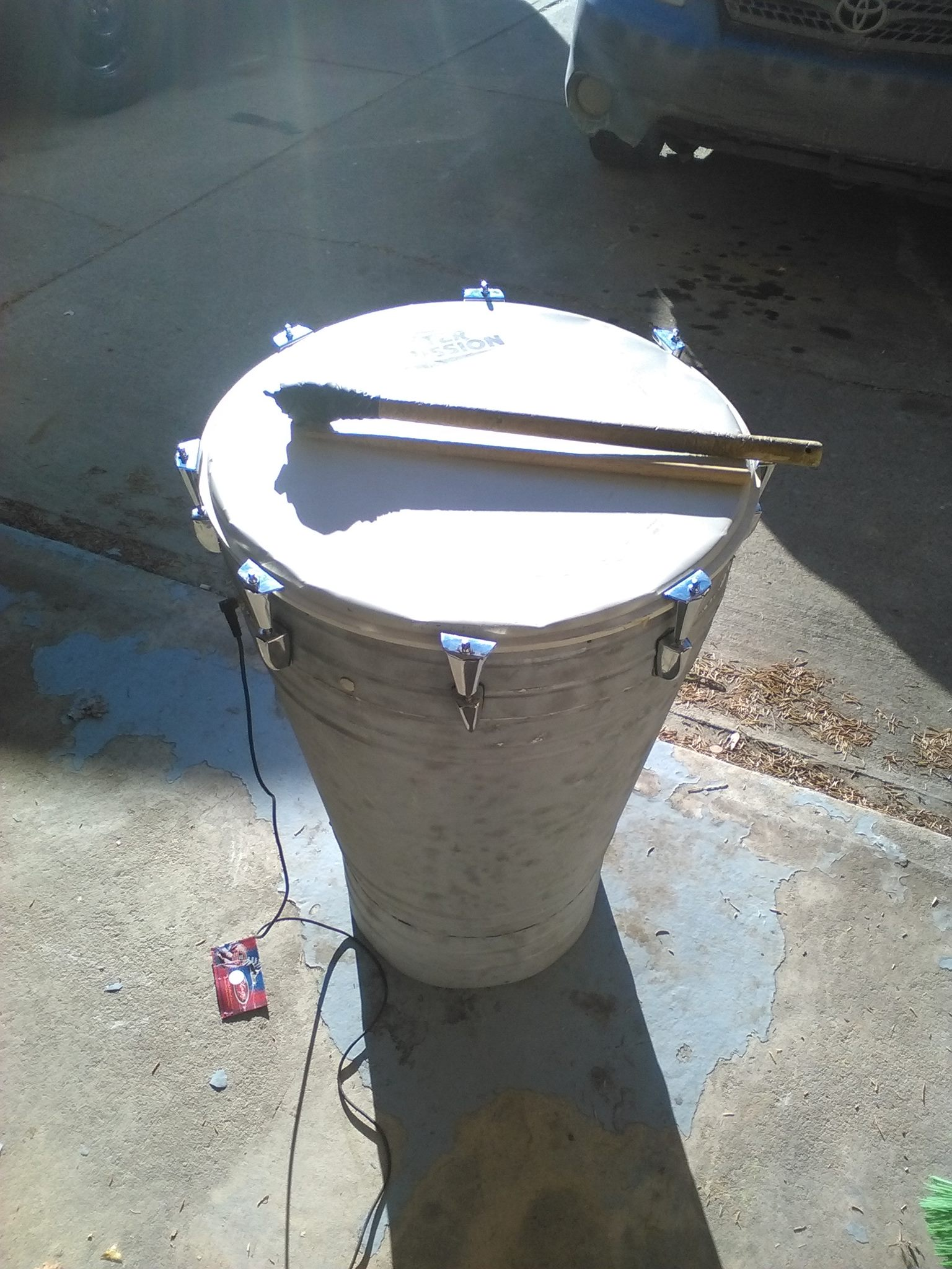 4 anelectric drum