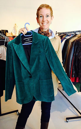 Lyn Cowie is Seattle's Eastside eco wardrobe stylist