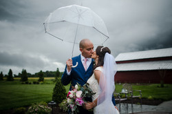 Bride-and-Groom-Photos-at-Kanak-Fams