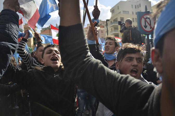 Des milliers de partisans du premier ministre libanais Saad Hariri sont descendus dans les rues de Beyrouth pour célébrer son retour tant attendu au Liban ainsi que l'annonce de l'annulation provisoire de sa démission.